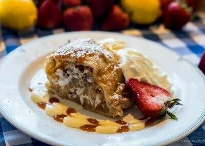 Vancouver Alpen Club, Food, Dessert, Apple Strudel